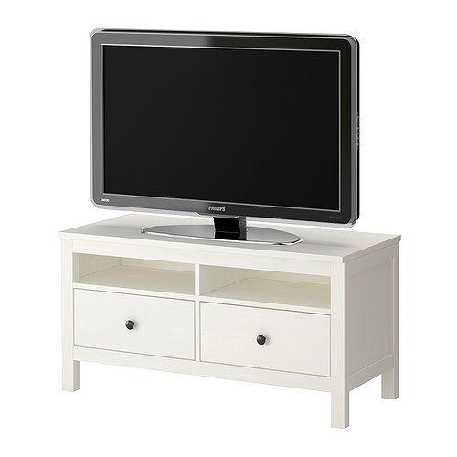 HEMNES Tv-bänk IKEA Massivt trä; för en mer naturlig känsla. De dolda lådskenorna gör att lådorna glider mjukt även när de är tungt lastade.