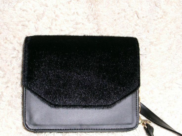 H&M Black Box Handbag with Faux Fur #HM #ShoulderBag