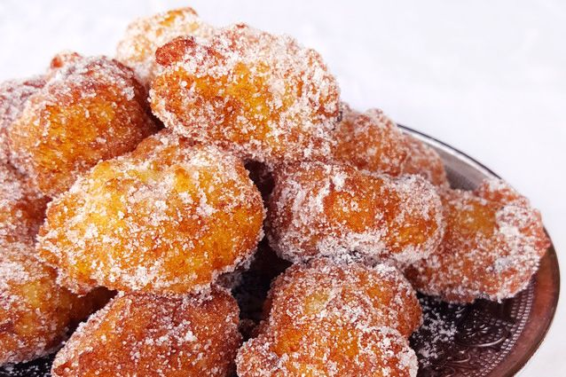 Le frittelle di riso di San Giuseppe sono un dolce fritto profumato al limone tipico della Toscana che si prepara per la festa del papà e per Carnevale.