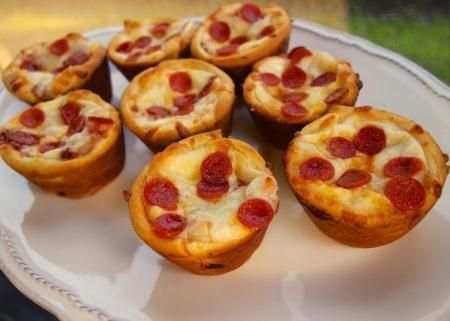 Mini-Pepperoni Pizza Puffs Recipe- double the milk for gluten free bisquick, add 1 tbsp pizza sauce in middle of muffin