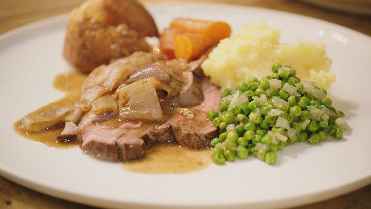 Vandaag kookt Jeroenvery British: een zondags gebraad met groenten en onvervalste Yorkshire pudding. Het favoriete gerecht van zijn favoriete schrijver Roald Dahl én een ode aan zijn Schotse vrienden op het eiland Foula.