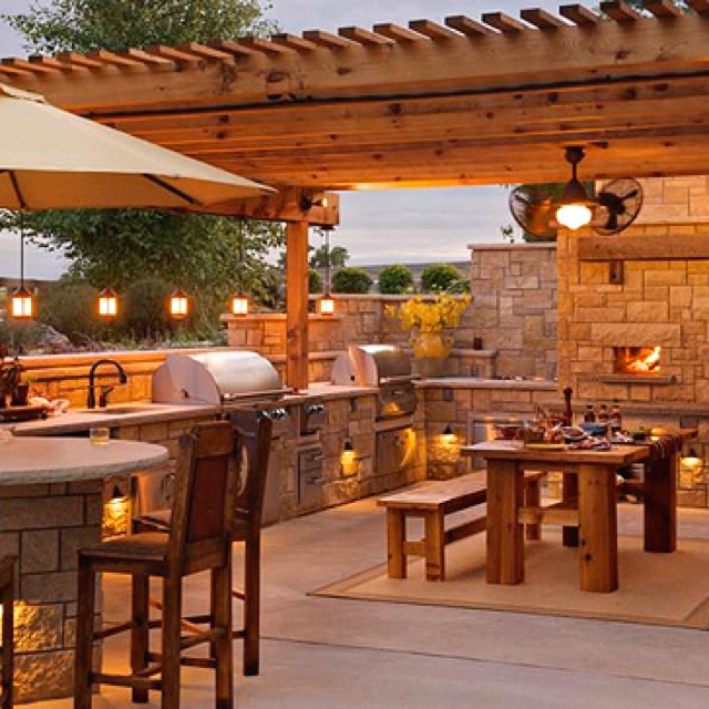 Great outdoor kitchen complete with pizza oven