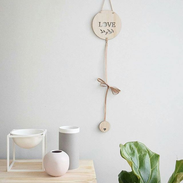 These memory drops are gorgeous! Perfect piece to display pics of loved ones. NOW ONLINE! ▶▶▶ BUY now PAY later ◀◀◀ www.thesecrerdoordecor.com  #homedecor #interiordesign #interior #interior4all #interior123 #interiorstyling #tvunit #scandi #scandinavianstyle #scandistyle #myhome #nordic #modern #fiddlefig #kubus - #regrann 📷 brookecastelstylist
