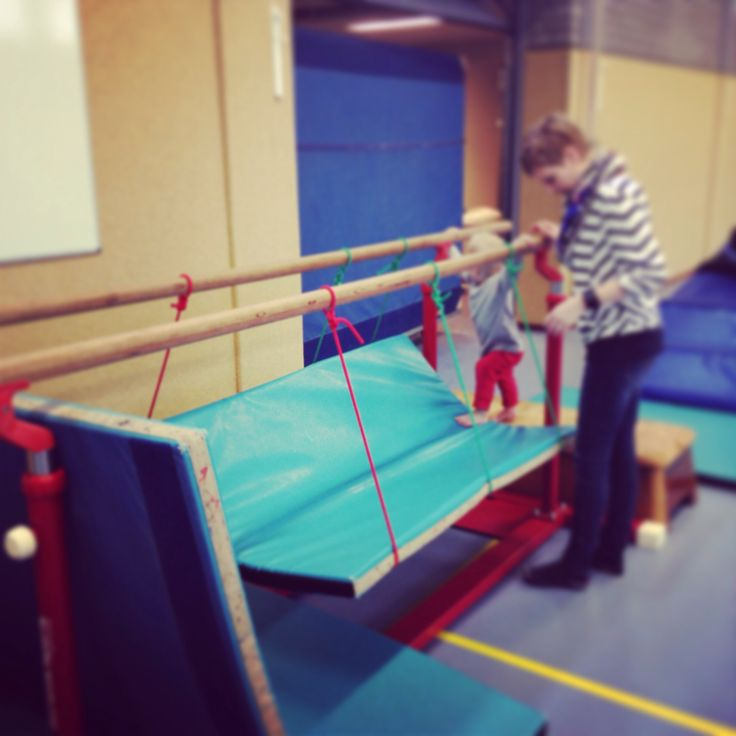 Wiebel brug, Ideeën gymles kleutergym - Peutergym of ouder en kindgym @saturna-alkmaar