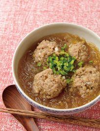 夜の遅ごはんに「肉団子と春雨のスープ」