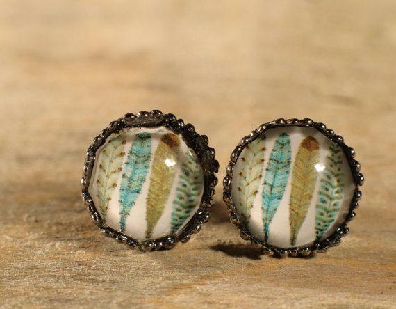 Boucles d'oreilles boutons cabochons de verre. par MrAndMrsBeaver