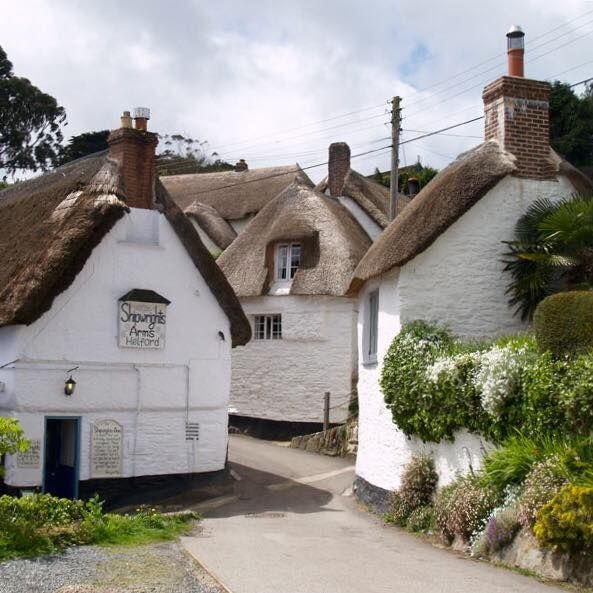 """""""Shipwrights Arms Pub"""" in the Village of Helford, Cornwall"""