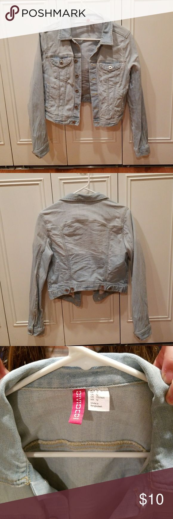 Women's Jean Jacket Denim, button up, four pockets, no stains, Size US 12(Small fitting), short H&M Jackets & Coats Jean Jackets