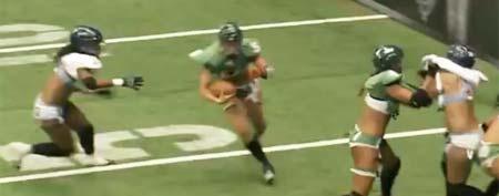 Nikki Johnson of the Regina Rage turns toward the end zone (Y! Sports screengrab)