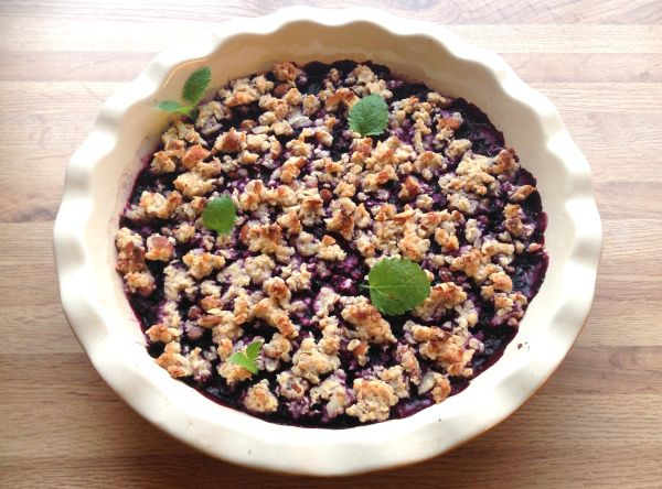 Sukkerfri blåbær smuldrepai med vaniljekrem (lindastuhaug)