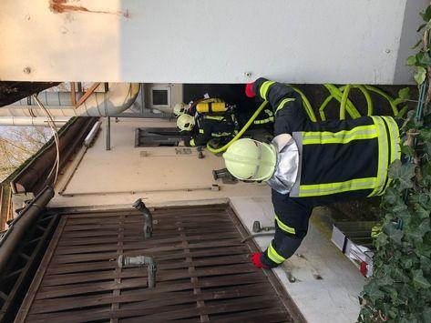 NEWS:  FW-GE: Brand einer Ölheizung sorgt für Einsatz der Feuerwehr in Gelsenkirchen Ückendorf. / Schnelles Eingreifen des Firmeninhabers verhindert größeren Schaden.