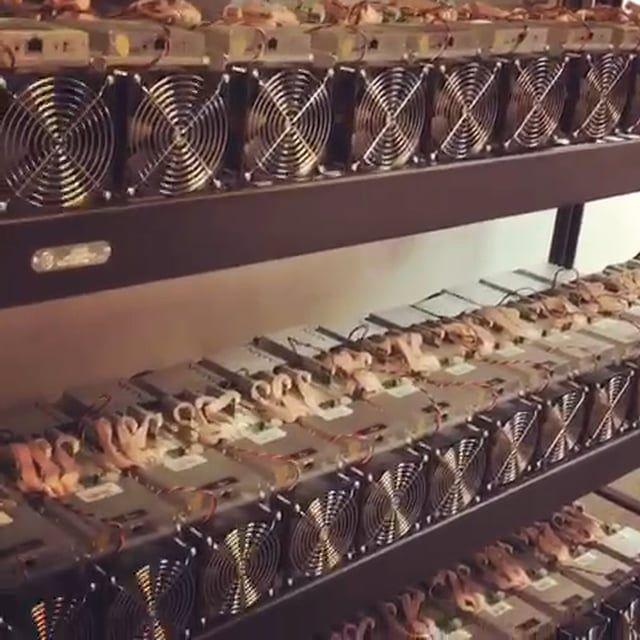 Listen to the Sound of the BEST S-9 AntMiners, MiningBitMain, Bitmain mining equipment with VIP Mining. V.I.P. Mining Company Headquarters and Showroom Located in Phoenix AZ. #MiningBitMain #Bitmain Mining equip #CEOMRLuisOrtega #Bitcoin #S-9 #AntMiners #VIPMiningCo