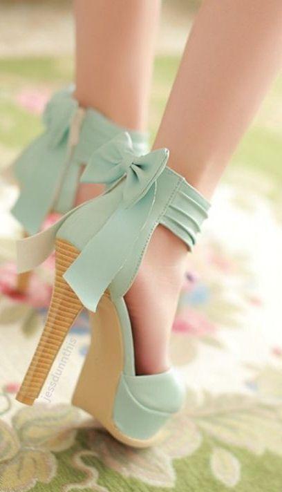 Mint bow back heels //