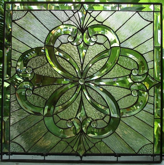 http://www.stainedglasswindows.com/beveled_windows/beveled_29_.jpg