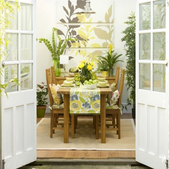 try tropical florals conservatory decorating ideas. Black Bedroom Furniture Sets. Home Design Ideas