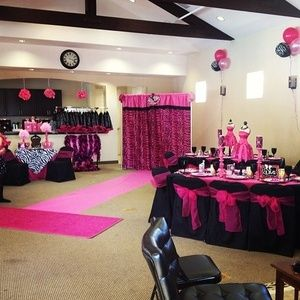 Diva Party, backdrop and pink runway, for fashion show