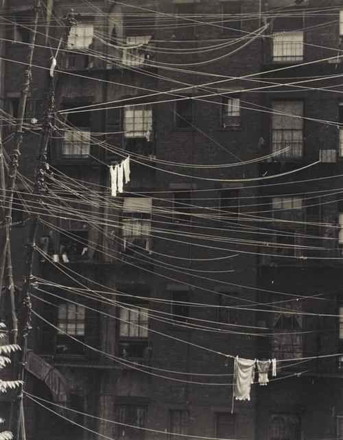 New York, 1925 byRalph Steiner