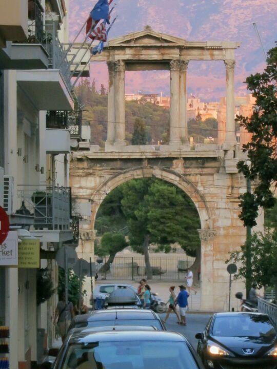 Πύλη του Αδριανού (Hadrian's Arch) in Αθήνα, Αττική