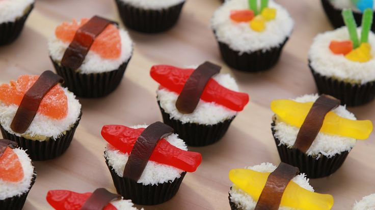 Today I made Candy Sushi Cupcakes inspired by the Nintendo DS game 'Sushi Go-Round'! I really enjoy making nerdy themed goodies and decorating them. I'm not ...