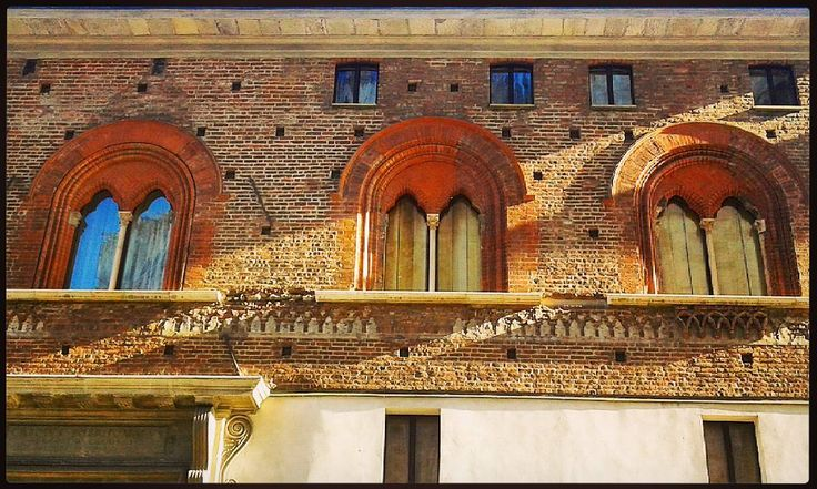 #Milano #Milan #ig_milano #pocketmilano #MilanoToday #milanodavedere #MilanoEterna #art #arte #genius #arthistory #decor #design #architecture #architettura #madeinitaly #grandeur #magnificence #tagsforlikes #bestoftheday #picoftheday #finestre #windows #bifore #antiquity #classical #renaissance #rinascimento #postcard #cartolina by man_from_another_place
