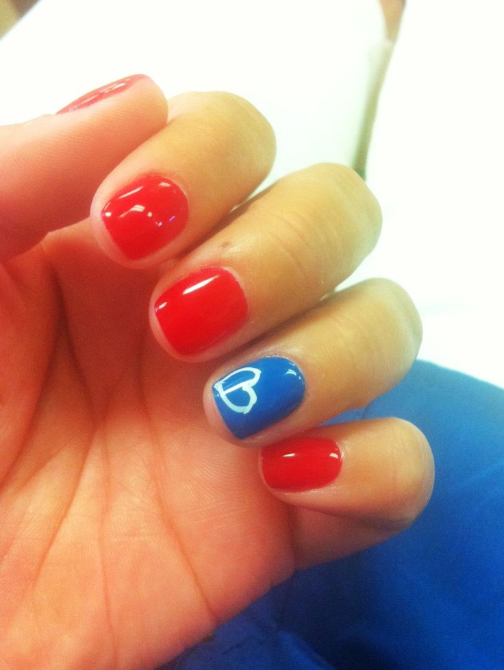 Cute 4th of July nail idea, but maybe with a star instead:)