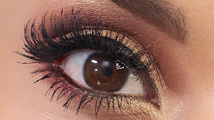 Eye shot of Becky G's inspired makeup tutorial I did a few days ago. Summer fave.  Whole tutorial on my blog/youtube channel.