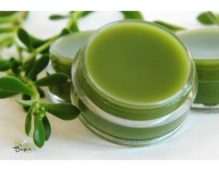 Ser antiacneic concentrat in ingrediente active antibacteriene, purifiante si antiinflamatoare.