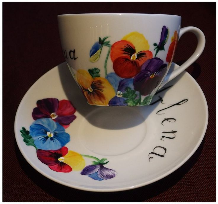Pansy for Arlena by Xantosia ~ Agnieszka Sokołowska. Hand painted on porcelain. All my porcelains are painted with Talens Decorfin Porcelain and baked in high temperature, so they are pretty durable. #bratki #viola #xantosia #flowers #kwiaty #bloom #liście #leaves #porcelana #porcelain #filiżanka #cup #reczniemalowane #handpainted #nature #set #porcelainart #porcelainpainter #porcelarts #teatime #teacup #tea #kawa #herbata #coffee #dedykacja #Arlena