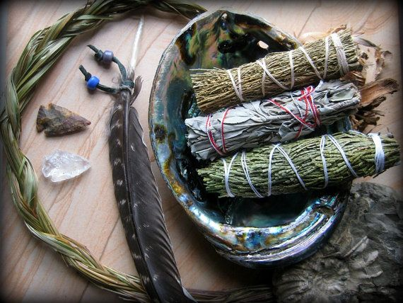 Smudge Kit- Sage DESERT CLEANSE: Abalone, CA White Sage, Desert Sage, Cedar, Sweetgrass, Agate, Crystal Arrowheads, Barred Turkey Feather