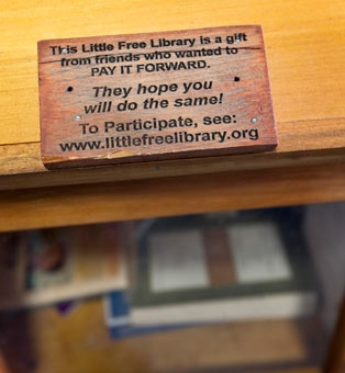 """""""This Little Free Library is a gift from friends who wanted to pay it forward. They hope you will do the same!"""" http://usat.ly/xQZebO"""