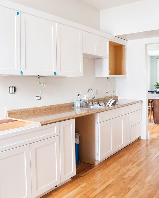 The color ben moore s distant gray is so perfectly for Behr white paint for kitchen cabinets