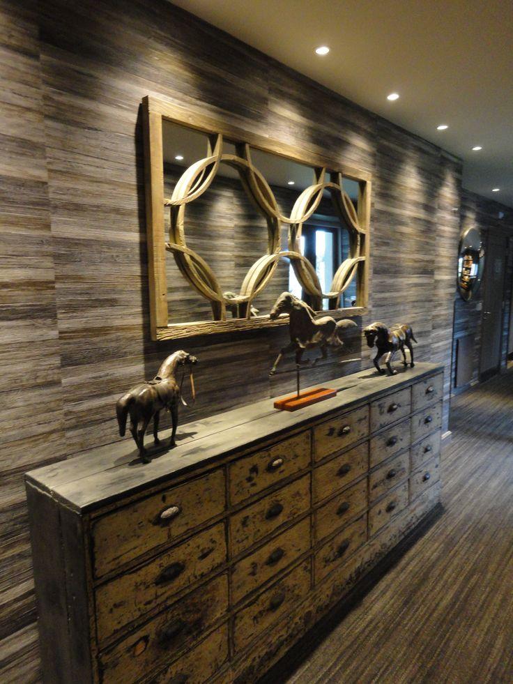#Hall #Elitis #wallpaper #antique chest #mirror #horse #sculpture