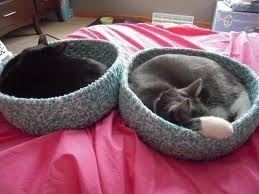 Woven fabric cat baskets