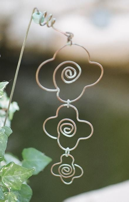 Garden Flower Wire Art.