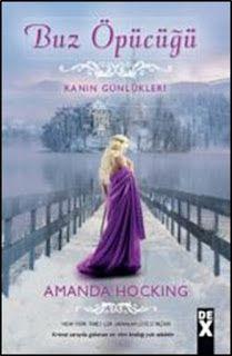 Buz Öpücüğü Amanda Hocking Pdf   Kristal sarayda gizlenen sır tüm krallığı yok edebilirBryn çok sevdiği krallığa hizmet etme hayalinin peşinde yepyeni bir ülkenin kapısından giriyor. Skojare'de sevgili kraliçenin hizmetinde çok tehlikeli bir komplonun tam ortasında buluyor kendini.Entrikalar düğümü peş peşe çözüldükçe şimdiye dek inandığı her şeyde bir karanlık sırrın barındığı gerçeğiyle yüzleşiyor. Tüm gençlik arzularından ve aşktan vazgeçmeyi göze alarak seçtiği yolun dikenleri birer…