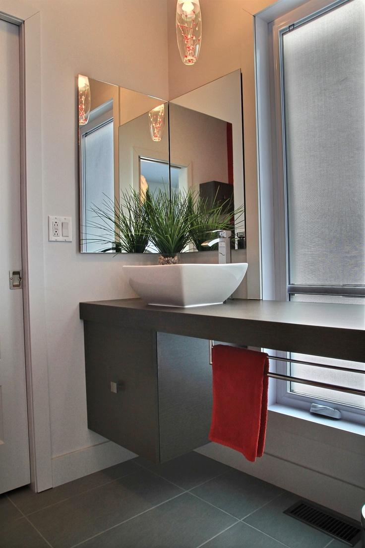 Salle de bain réalisée par Richard & Levesque design Sandra Chaîné (larmag)