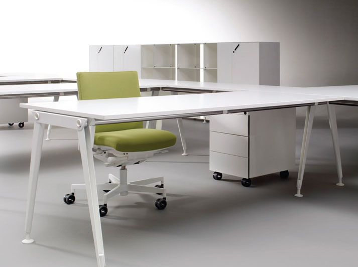 OXO modular workstation system by Fuze Business Interiors