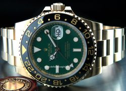 Rolex - GMT-Master II 116718LN Cassa: oro giallo - 40 mm Ghiera: ceramica Vetro: zaffiro Colore quadrante: verde Bracciale: oyster Chiusura: oysterlock con easylink Movimento: automatico