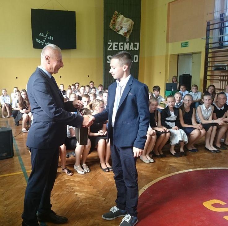 Prezydent na uroczystości zakończenia klas VI w SP nr 6