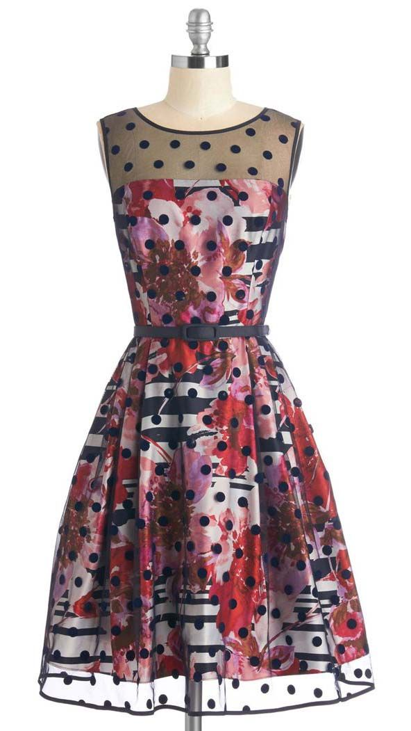 Garden Party Hostess Dress in Red Bouquets