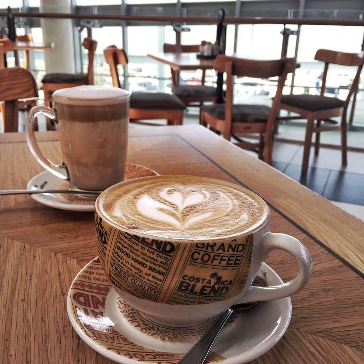 #coffeoclock #cafe #barista #coffee #coffeeoftheday #photography #minimal #lifestyle