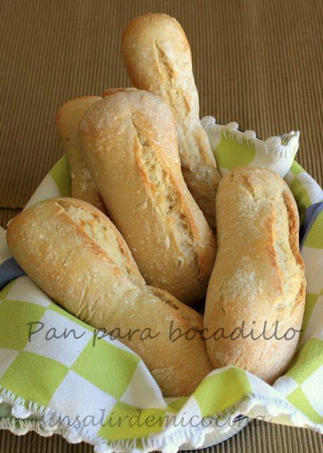 Otro pan facilito, el segundo que preparo del libro de Xavier Barriga. Como ya dije en la receta de los panecillos de mantequilla tostada ...