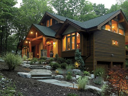 Picture of Craftsman house number 38931 from Lindal Cedar Homes: worldwide manufacturer of post and beam homes, solid cedar homes, custom log homes, sunrooms and room additions.