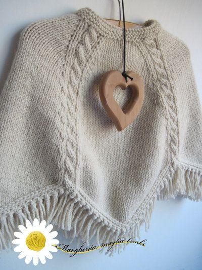 Poncho bambina con trecce fatto a mano in pura lana ecologica naturale