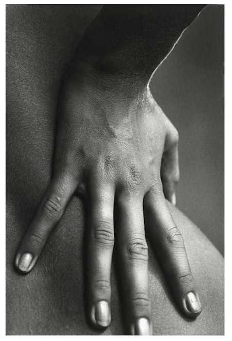 La main à la hanche , 1964 (Jeanloup Sieff)
