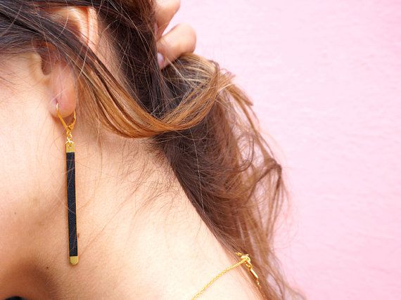 ▾ Boucles d'oreilles Thales ▾ #fosseth #bijoux #cuir #leather #jewelry #french #designer #young #graphic #geometric
