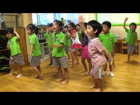 Kindergarten WAKA WAKA Dance - YouTube