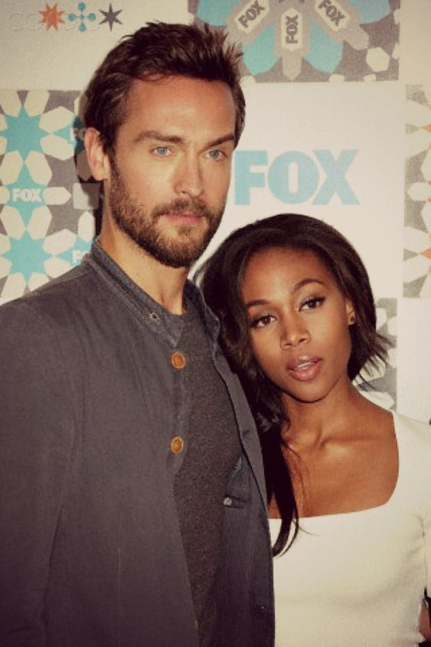 Sleepy Hollow-Ichabod and Abbie. Ichabbie. They look hot together!