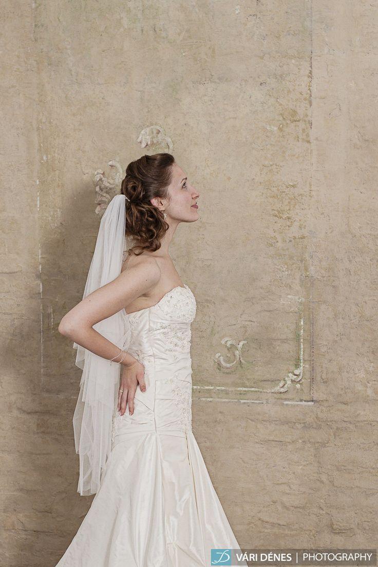 Az igazán lágy esésű tüllök szerelmeseinek, puha tüllből http://bridalmirage.hu