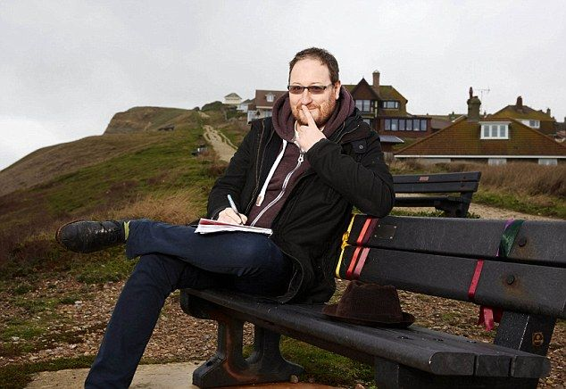 #Spoilers #Broadchurch2 EXCLUSIVE: Dark secrets of Broadchurch 2: Writer of next month's hotly anticipated sequel warns viewers to 'brace yourselves for upset and shock with the cheekiest cliffhanger yet' (Not 100% happy about this feature, but that's the UK press for you!)